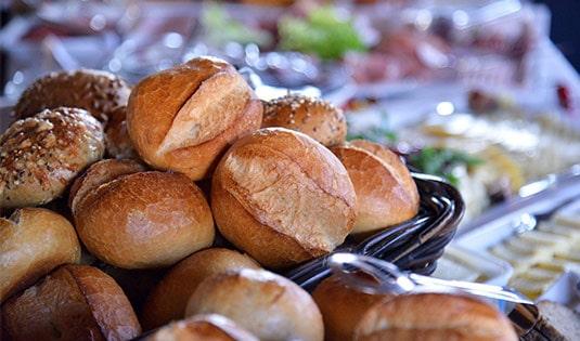 Sonntagsfrühstück im Restaurant Von Köppen auf Gut Ringelsbruch bei Paderborn